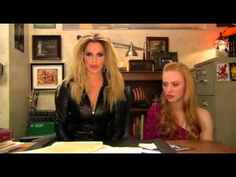 Kristin Bauer  True Blood Season 5: On Jessica's Blog.