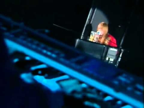 Guns N Roses - November Rain Live in Tokyo 92 DVD Part 14