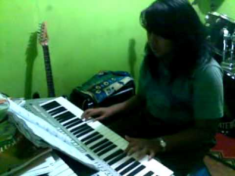 d'massive-merindukanmu (cover by mutiara).mp4