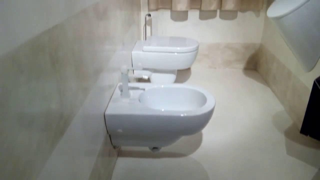 Rivestimento bagno moderno a Bergamo - YouTube
