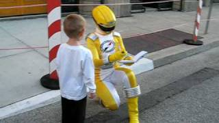 Repeat youtube video Dylan meets the Yellow Power Ranger.avi
