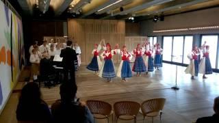 Kühnův dětský sbor v Sydney Opera House (HD)