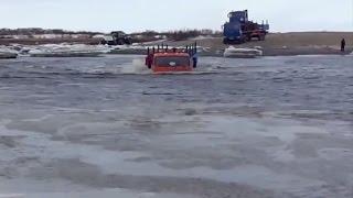 Грузовые автомобили КАМАЗ под водой - опасное видео 2015(Смотрите новое видео про опасные игры грузовиков КАМАЗ. Американские тягачи или китайские грузовые автомо..., 2015-07-27T14:28:50.000Z)