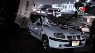 شلل مروري بـ«عبود» بسبب انقلاب «مقطورة» علي «تاكسي»
