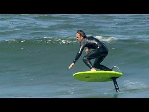 Сёрфинг над волнами: в Калифорнии катаются на досках с подводным крылом
