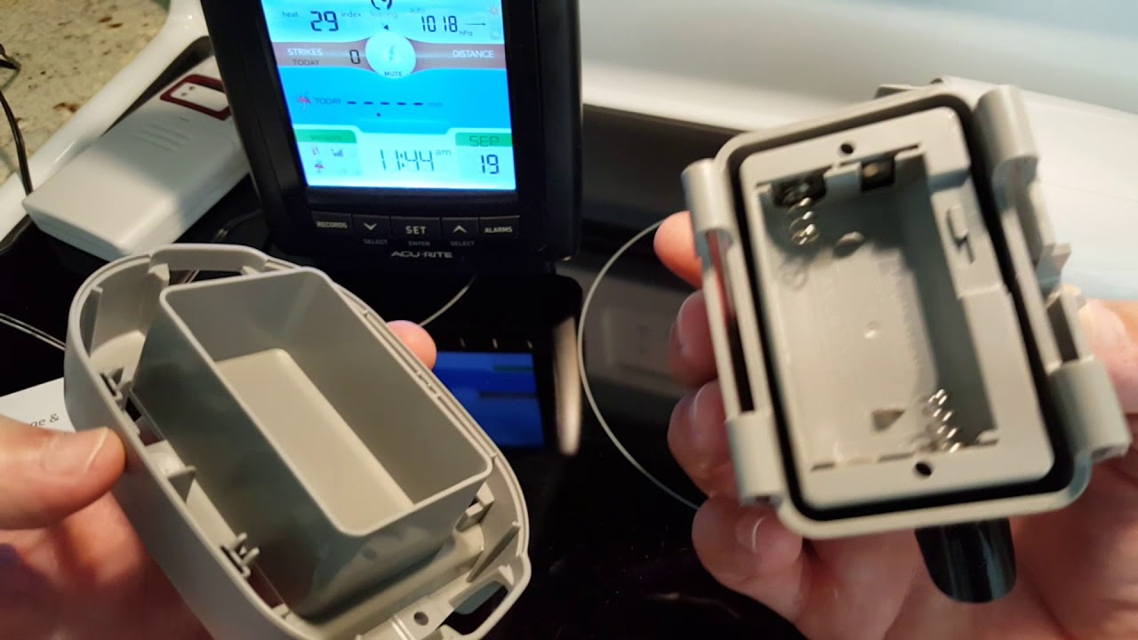 how to open the battery compartment of the acurite 01021m weather