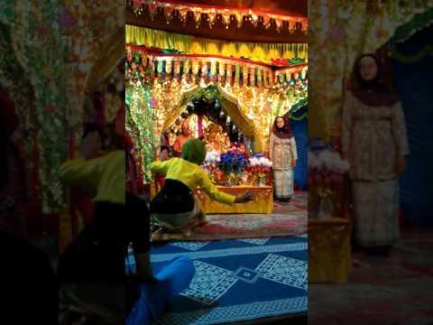 """Seni tradisi pernikahan adat melayu """"tari inai"""""""