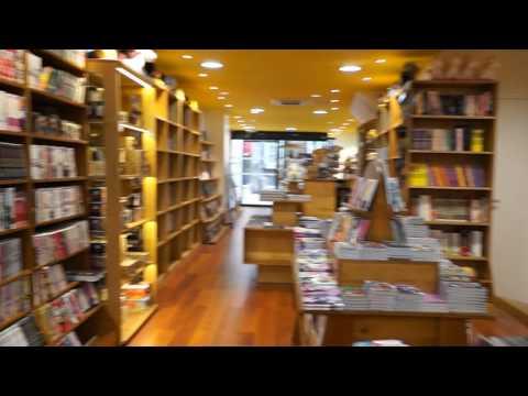 Visite du tout nouveau local de la librairie Momie Dijon ... en musique !