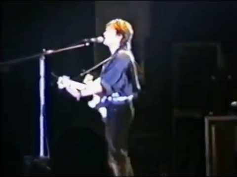 Виктор Цой (гр.Кино) 10-Алюминиевые огурцы (Концерт в Уфе) 1990