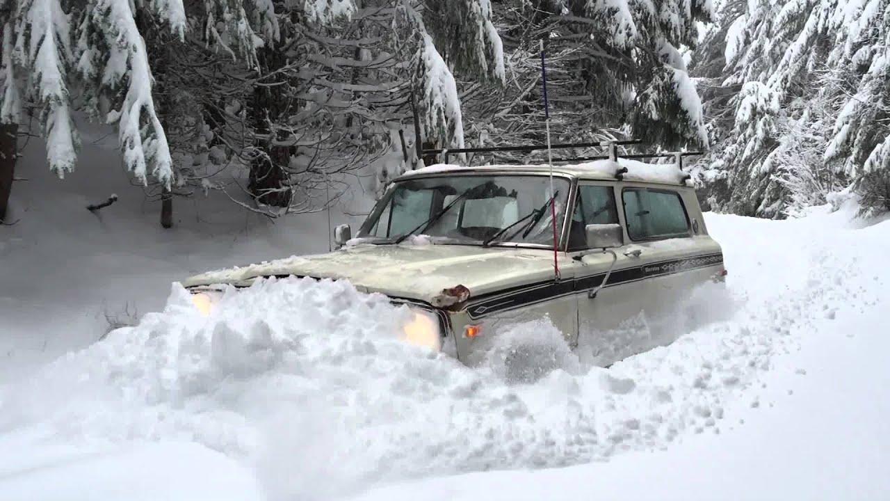 Grand Cherokee Overland >> 1976 Jeep Cherokee snow plow - YouTube