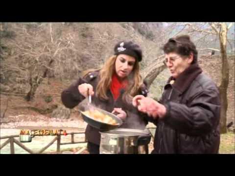 Cretan cuisine: Pork with plums and quinces by Myrsini Lambraki
