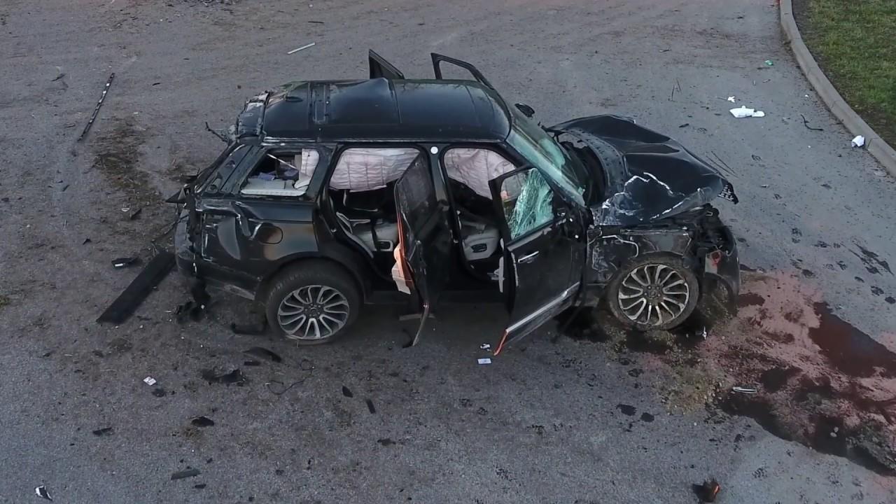 Audi Q7 vs Range Rover crash Poland - YouTube