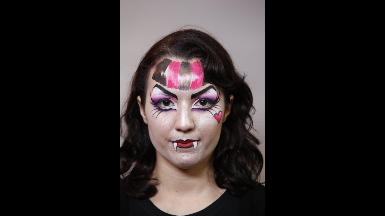 Youtube Makeup Tutorials Popular: How To Create A Monster High (Draculaura) Makeup