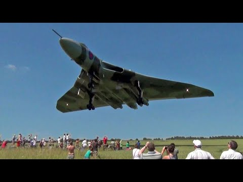 The Greatest Low Flybys & Airshow Moments ' Bobsurgranny '