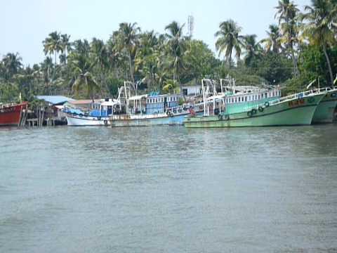 Fishing boat in Pallipuram (Munambam)