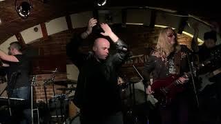 Queen Tribute Zenekar (LIVE) - Don't Stop Me Now @Amazinx