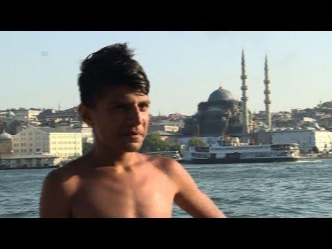 Turquie: chaleurs à Istanbul et plongeons dans le Bosphore