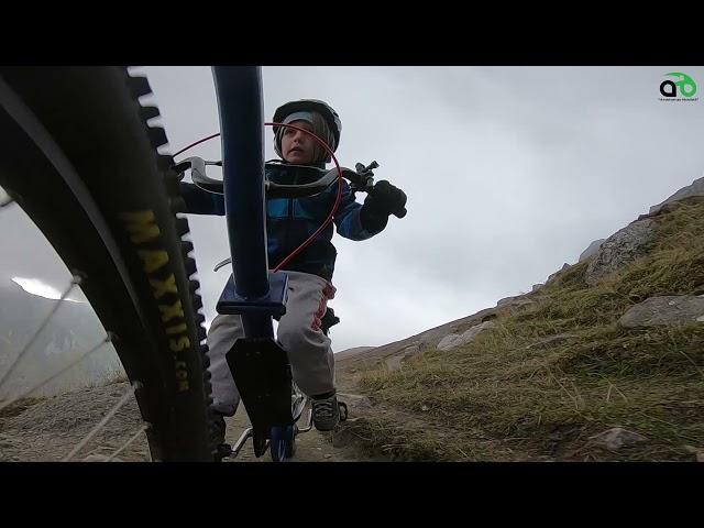 Aventuri pe bicicleta : Cu Alex pe sub Ceardac