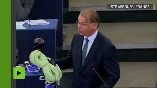 Strasbourg : un eurodéputé belge écologiste offre une corde à Emmanuel Macron