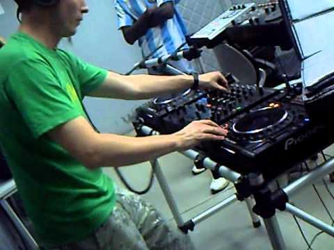 Mix Fm   Dj Gregor Salto Live @ Mix Fm 96 5   Luanda, Angola    04 12 2010   Parte 9
