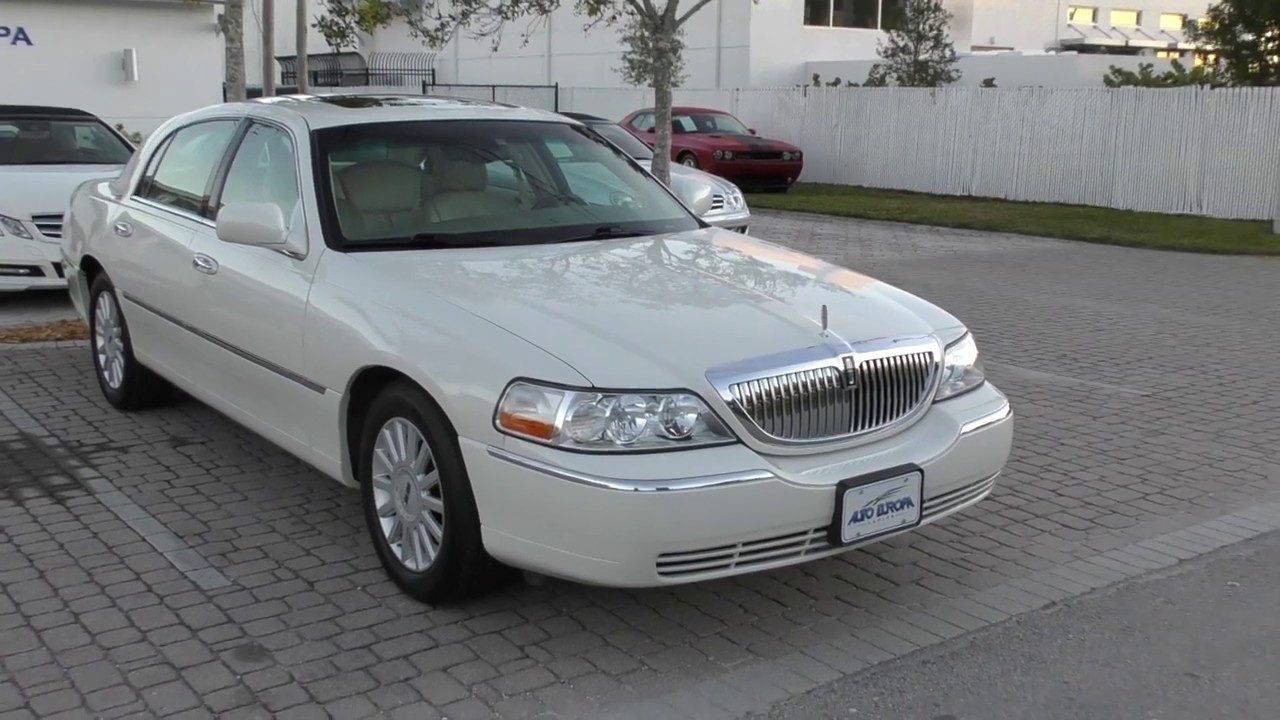 This 2005 Lincoln Town Car Signature Limited Was The Last Great