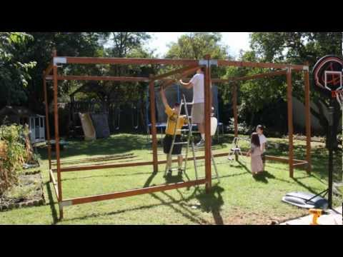 How To Build a Sukkah in under 2 Minutes