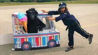 Police Buy Ice Cream from the Ice Cream Truck!! Kids Pretend Play part 5