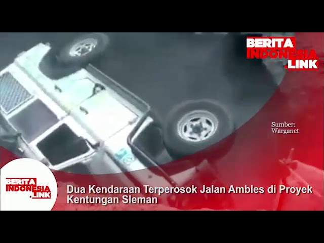 Dua kendaraan terperosok Jalan Ambles di Proyek Underpass Kentungan, Sleman- Yogyakarta