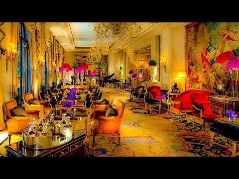 Drinks At The Beautiful Hotel George V, Paris