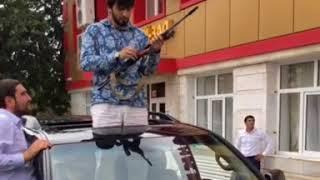 В центре Кизилюрта на видео со свадьбы стреляли из автомата