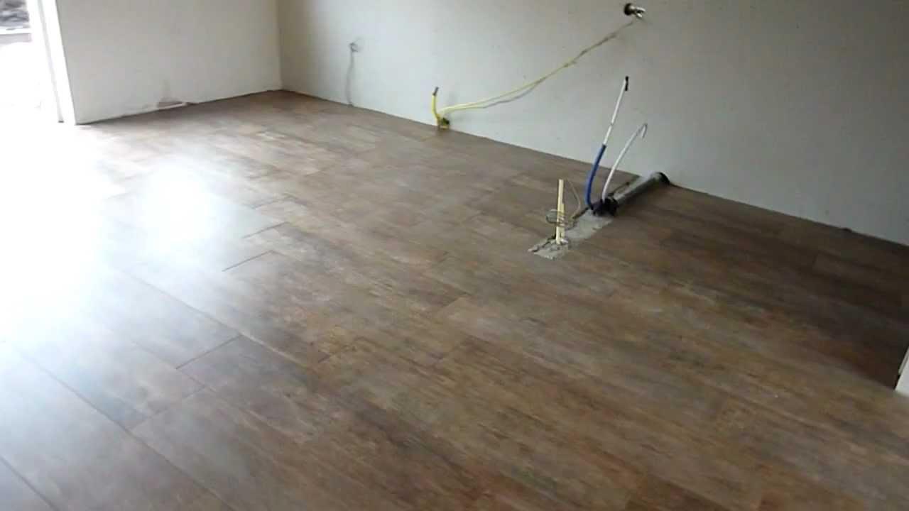 Keramisch hout vloerdelen vloer renovatie youtube - Renovatie hout ...