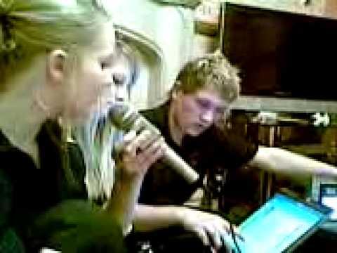 Tash, Layla & Courtney Giving It The Karaoke..