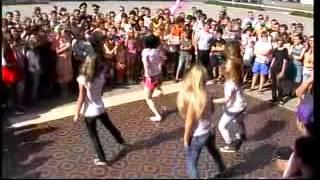Танец хип   хоп в Чечерске на день молодежи