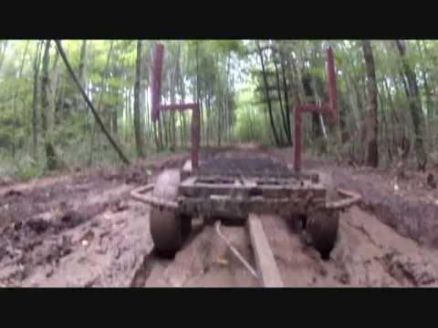 Vue d 39 une remorque forestiere maison avec tandem boggies - Plan pour fabriquer table forestiere ...