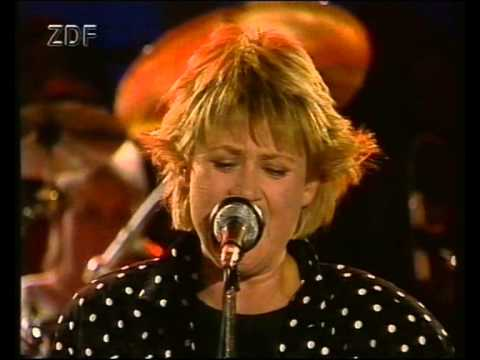 Gitte Haenning - Can't get next to you (live gesungen)
