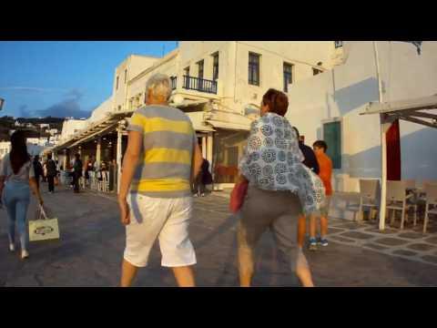 Walk in the streets of Mykonos