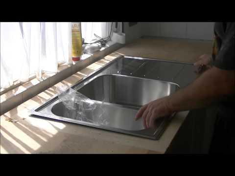 loch-für-spülbecken-aussägen,-arbeitsplatte,küche-teil-2