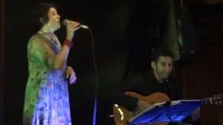 Noite de samba com Bororó no baixo, Edson Arcanjo no violão e Ricar...