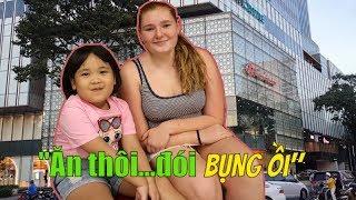 """[3 em gái Bình Dương """"Dữ """"thiệt] mỗi đứa 3 món tại Sài Gòn Centre Market"""