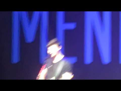 never-be-alone-/-hey-there-delilah-shawn-mendes-madrid-12/09/2015