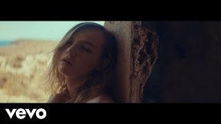 Смотреть клип The Japanese House - Face Like Thunder