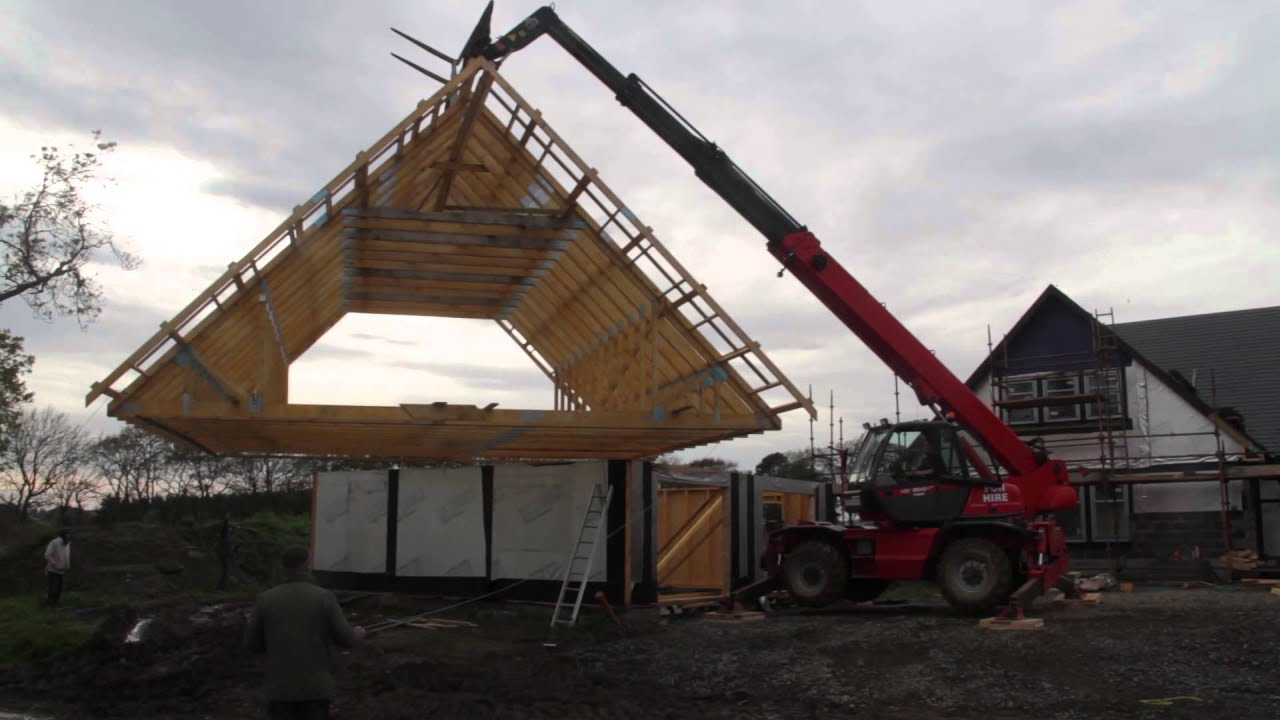Manitou Mrt2540 Lifting On Full Roof Youtube