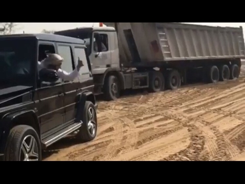 DUBAI SHEIKH helps truck who got stuck in Sand
