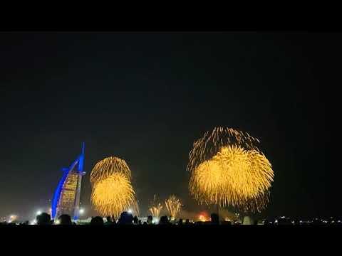 NEW YEAR FIREWORKS BERJ AL ARAB DUBAI UAE BURJ KHALIFA FIREWORKS