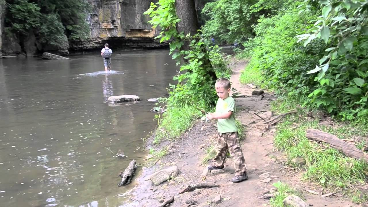 Kankakee river state park fishing youtube for Illinois river fishing report