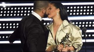 MTV VMAs 2016 - Drake KISSES Rihanna At MTV Video Music Awards 2016