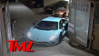 Justin Bieber Struggles Again Backing Out Lamborghini | TMZ