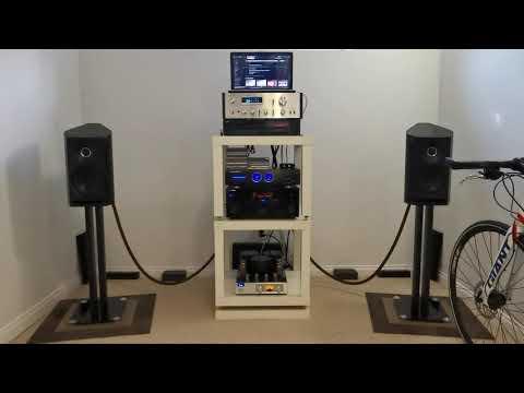 sonus-faber-venere-2.0-and-pioneer-sa-6800