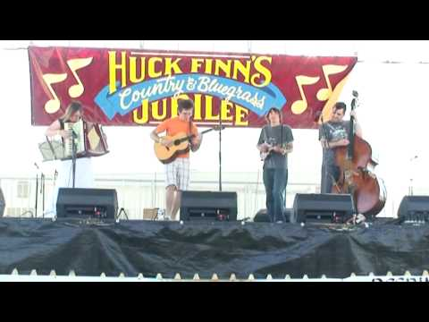 The Nathan McEuen Band with Scott Gates, Chuck Hailes and Elaine Gregston perform minor swing