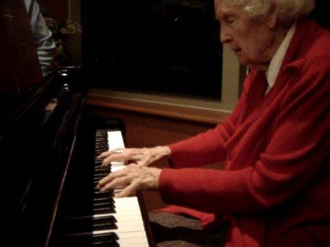 Lynne Reid - 92 Year Old Pianist Video NUMBER TWO